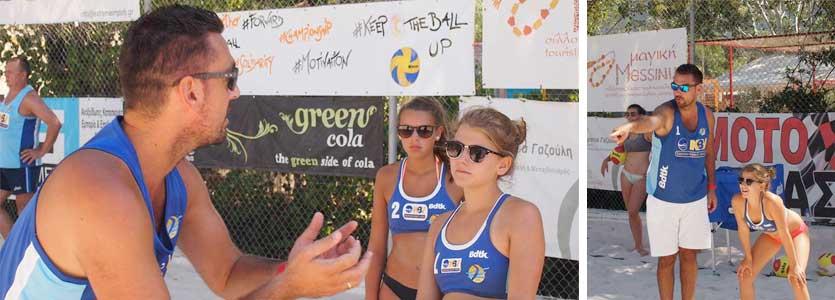 Manos Xenakis beim Training mit Nachwuchs-Spielerinnen VC St. Johann